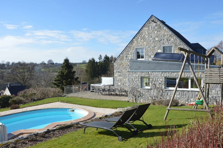 Luxurious Villa in Stavelot with Sauna and Outdoor Pool
