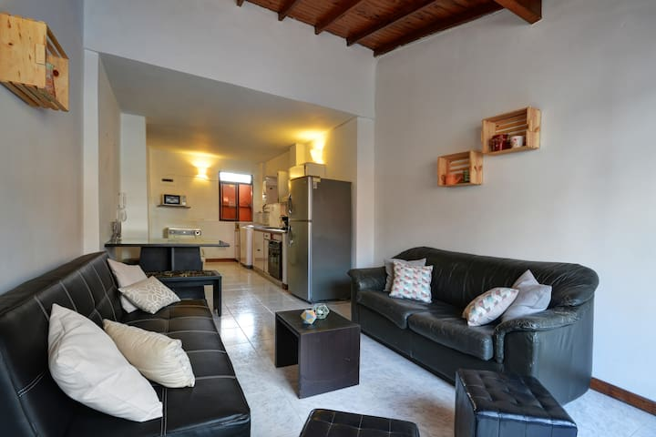 1 minute from everything 2 blocks from LLeras parc - Medellín - Leilighet