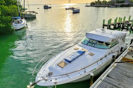 Yacht in Key Largo, Florida