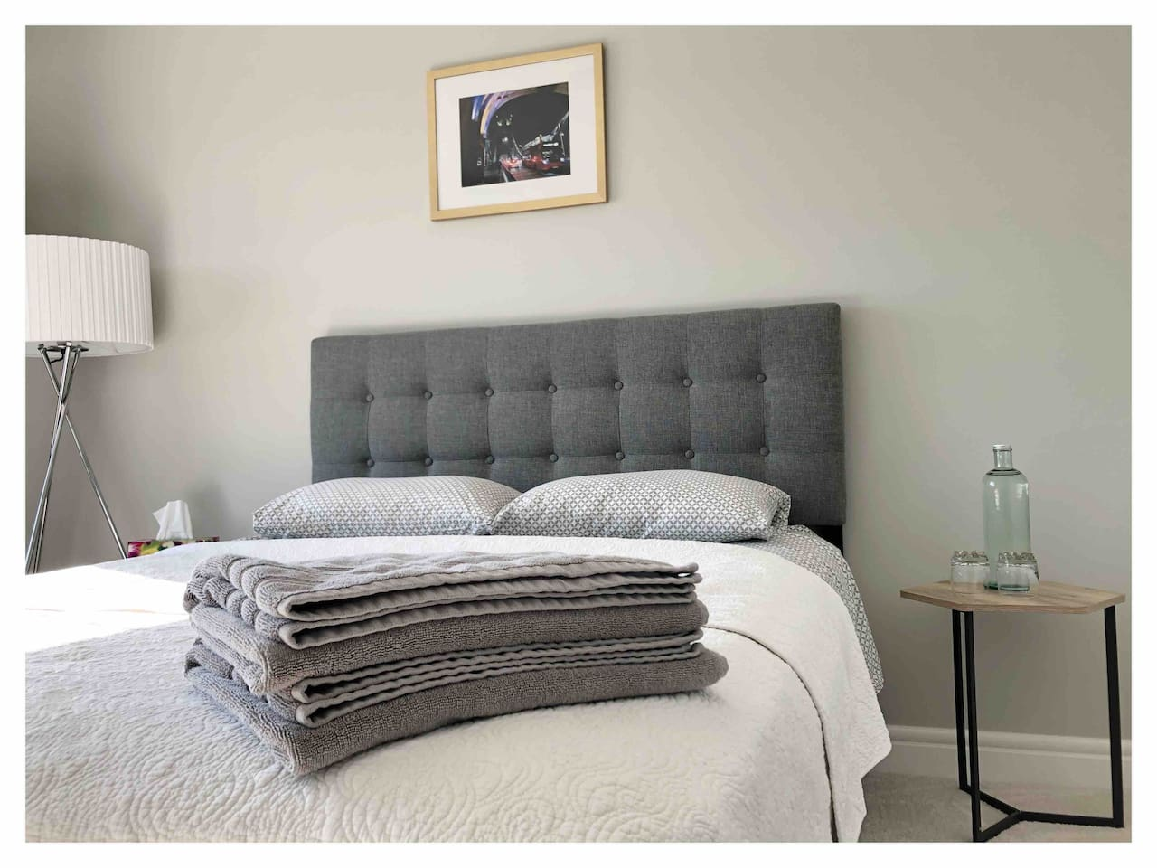 Our B&B includes clean linen, towels and fresh water.
