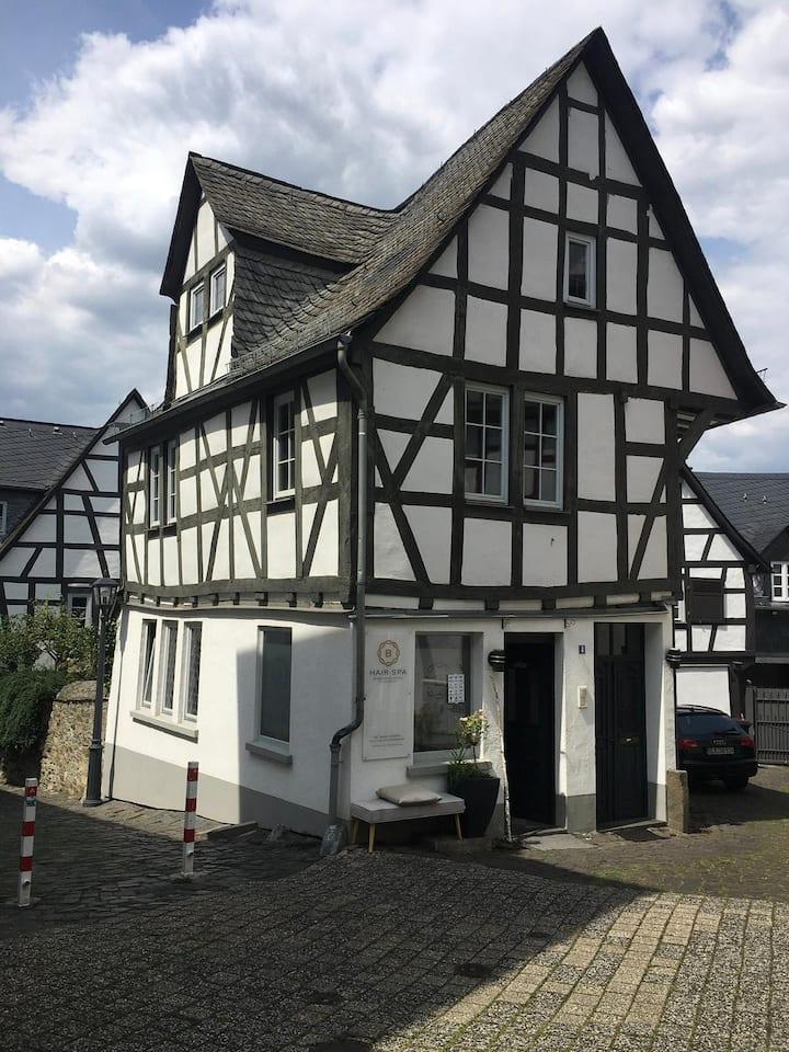 Stilvolle Altbauwohnung im Herzen Limburgs