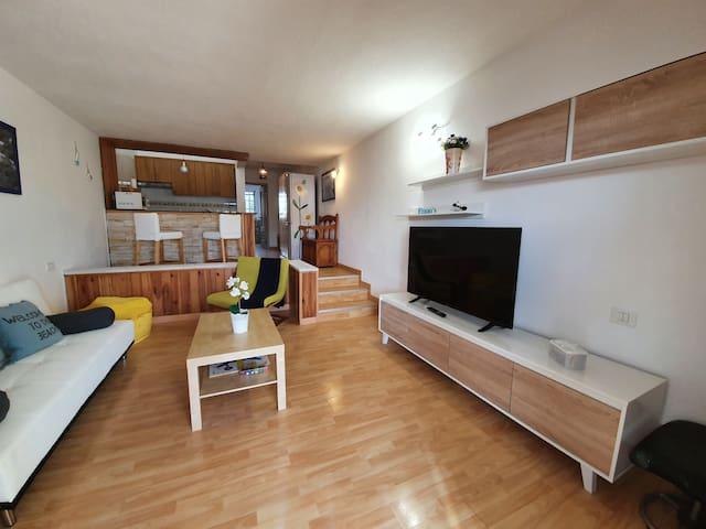 Moderno y completo apartamento en el Porís.