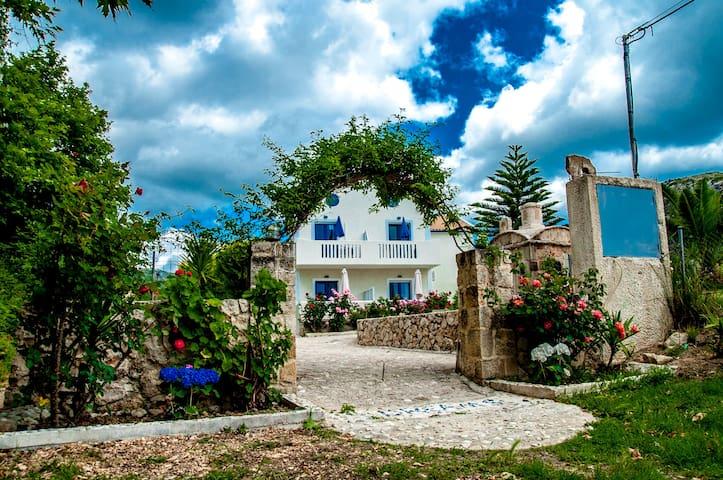 Dreams Apartments/Dreams beach Bar - Kateleios - Apartment