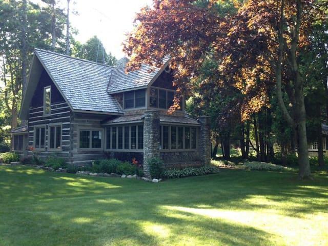 Rocky Bottom Lodge