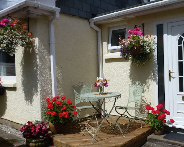 Perfect holiday retreat for 2,parking, garden,wifi - Lostwithiel