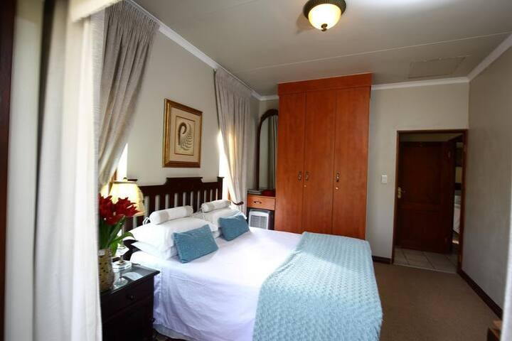 Villa Lugano Guesthouse - Deluxe Double