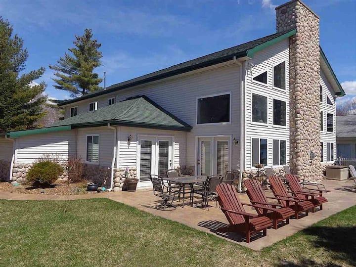 Stunning 5 Bedroom Lakefront Home on Houghton Lake