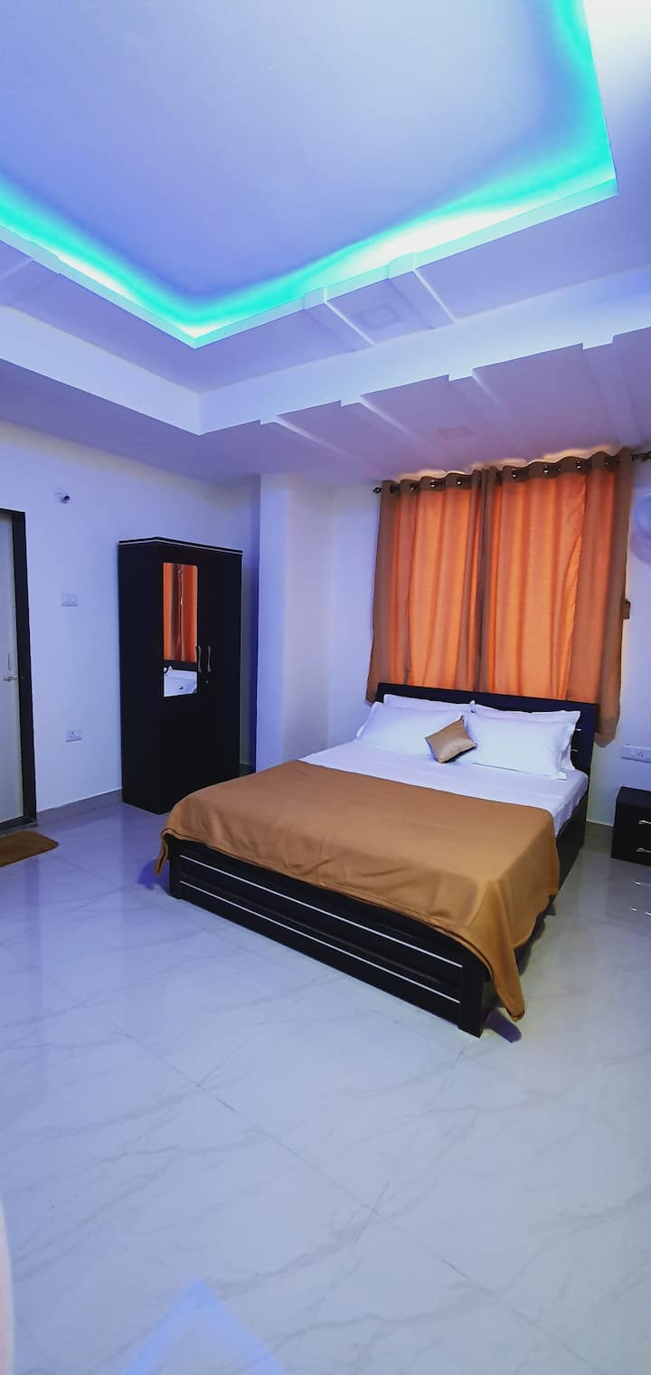 Premium Deluxe Room For Family & Couple Near Beach