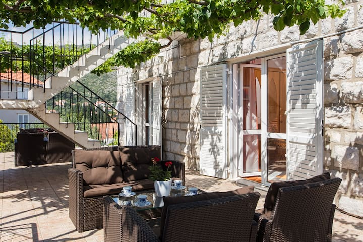 Comfort Double Room with Terrace and Garden View - Zaton - Dom