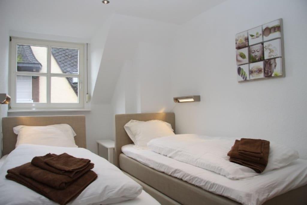 Slaapkamer/Bedroom 2
