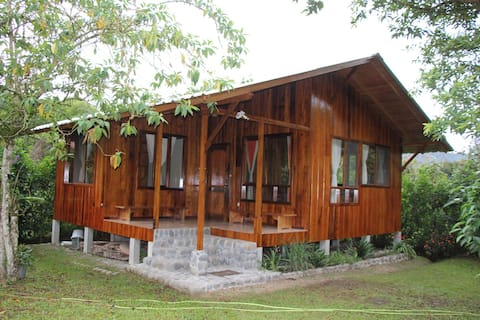 Bird Watchers Paradise- 2 BedRoom House, Mindo
