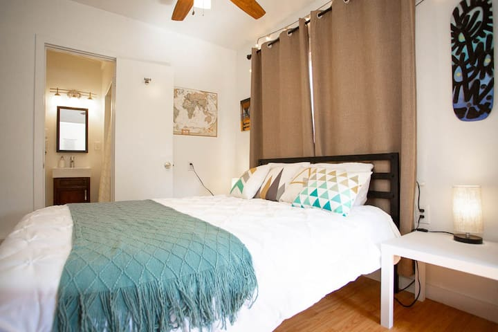 Private Guest Suite in the Heart of North Park!