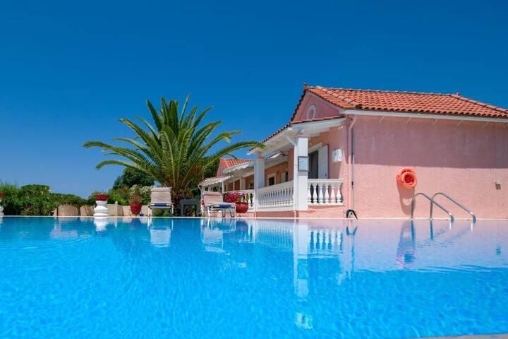 Villa Chalikounas