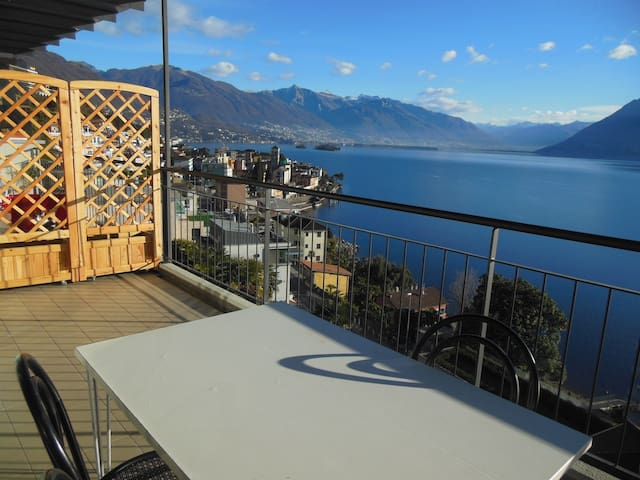 APPARTAMENTO CON VISTA LAGO - Brissago - Appartement