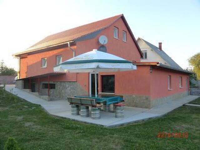 60 m² Wohnung komplett eingerichtet mit zwei Betten (Aufbettung möglich) !!!Kein Saisonaufschlag!!!