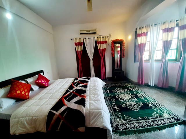PRIVATE  AC ROOM FULLY FURNISHED WITH free wifi