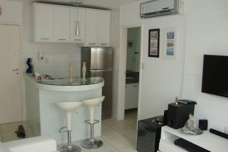 Confortável Clean na Graça - Salvador