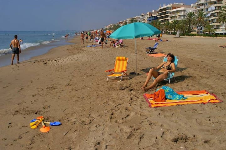 Amazing apartment  50 m from the beach Suitable for 4 people