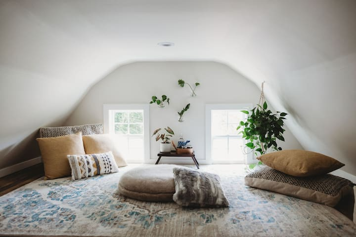 Sautee Get-A-Way:  Mod & Luxe in the Country
