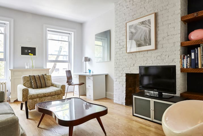 Airy and bright floor in East Village townhouse