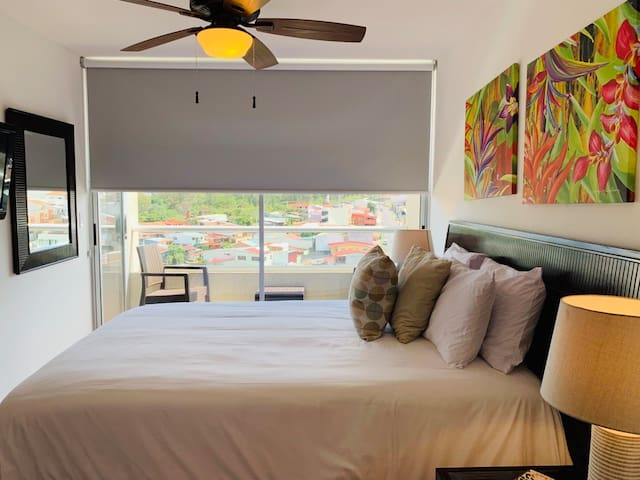 Staycation at Bellavista Condo Amazing View WIFI Rooftop pool Free parking Nearby everything   Comfy Bed + Amazing place + pool + cinema + gym YES!! we have all of these waiting for you!