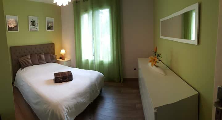Chambre cosy dans maison spacieuse et grand jardin