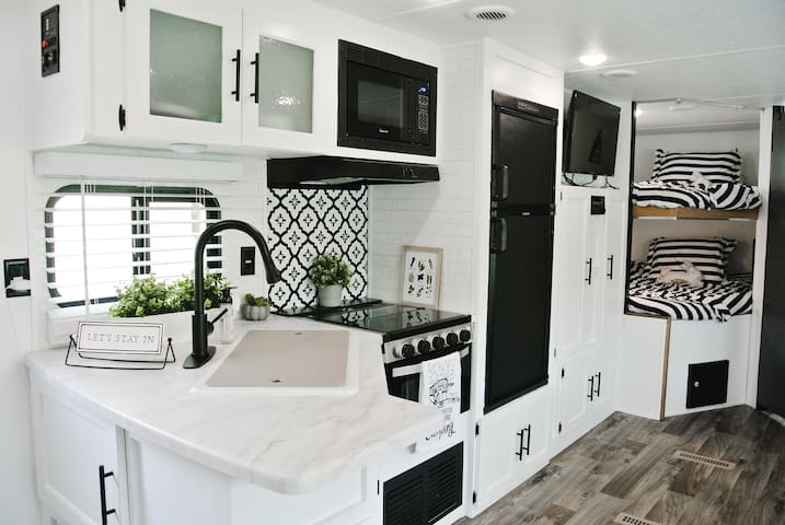 Farmhouse Chic RV Rental for Fort Wilderness!