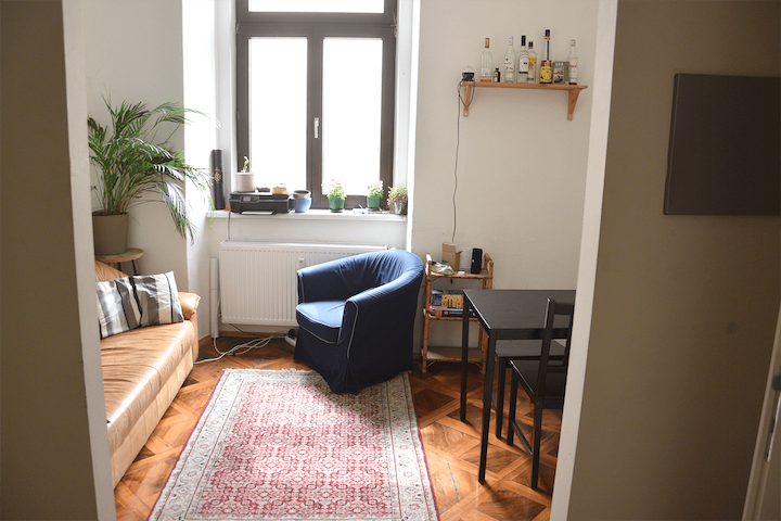 Cozy room in central apartment