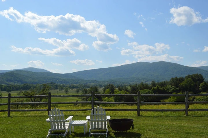 Luxury Farm House Vacation Rental on 128 ac w Pool
