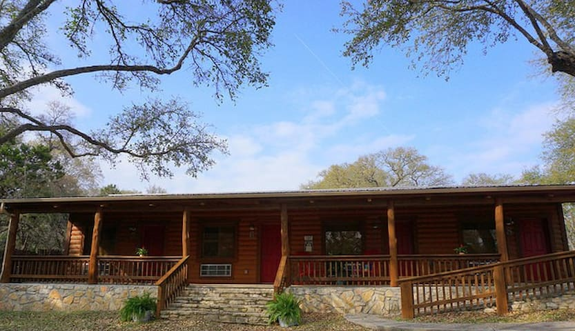 Wimberley Log Cabins Resort and Suites- Unit 6