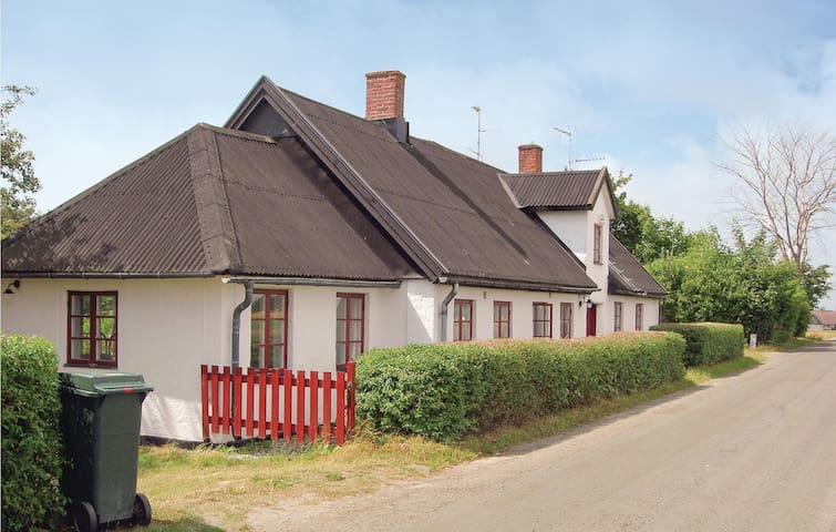 Holiday cottage with 3 bedrooms on 150m² in Klagstorp