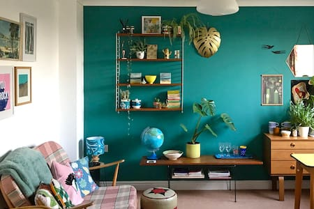 Retro Retreat, Herne Bay (Contact-Free)
