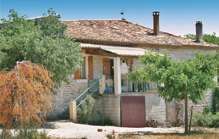 Semi-Detached with 2 bedrooms on 58m² in Barjac