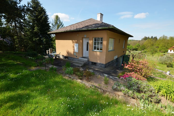 Pleasant detached holiday home with garden near Prague