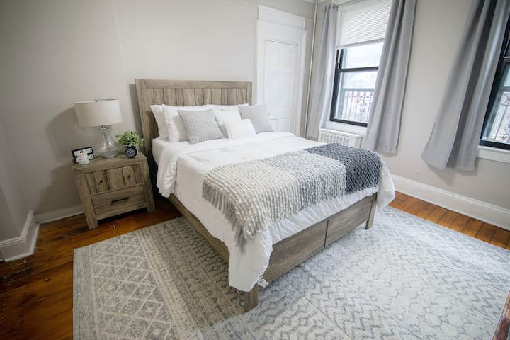 Modern cozy Williamsburg apartment