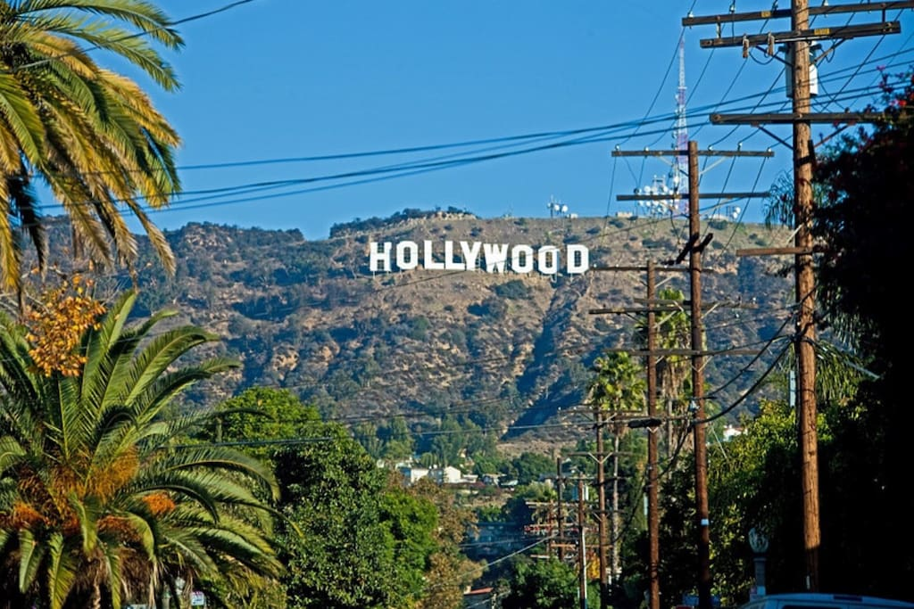 Amazing view of Hollywood sign!