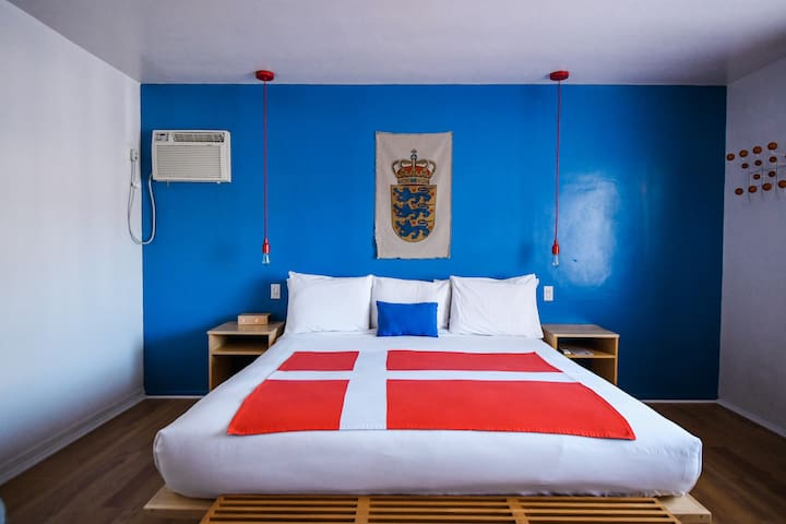 King room in the center of Solvang.