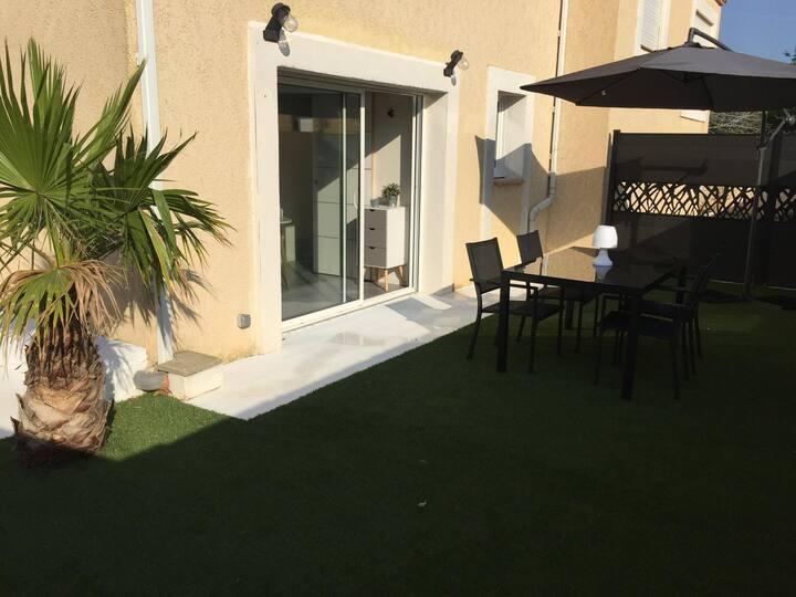 Charmant T2 avec jardin   Apartment with garden