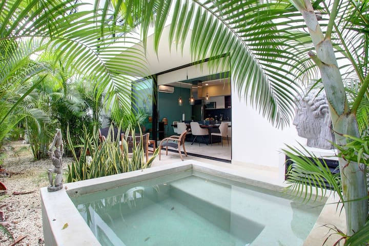 Positive vibes 1 BD Condo w/plunge pool