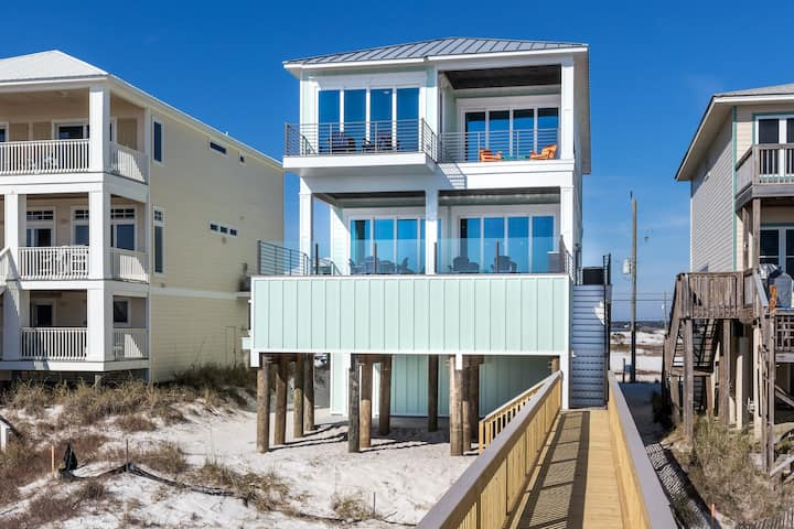 Navarre Beach! Gulf-Front Private Pool! Incredible Interior Décor!