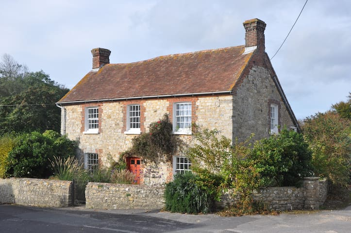 The Old Farmhouse W.Lulworth Nr Cove & Durdle Door - West Lulworth - Casa