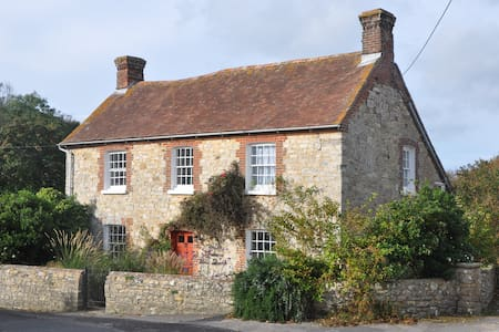 The Old Farmhouse West Lulworth Holidays - West Lulworth - Casa