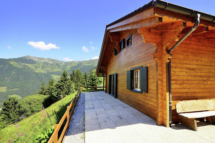 New upgraded comfort chalet directly on the ski slope, with sauna