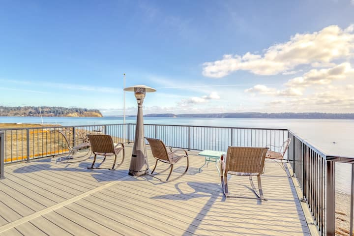 Stunning retreat w/ firepit, large deck, & views of the Puget Sound - dogs OK!