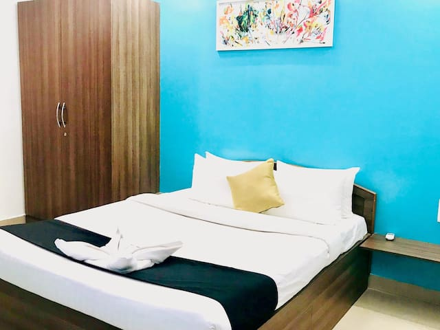 DBrooks Suites - Entire Boutique 1BHK with Kitchen