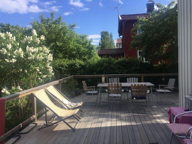 Idyllic garden house 15 min from Central Station - Estocolmo - Villa