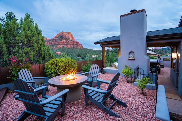 outdoor viewing area for sedona views