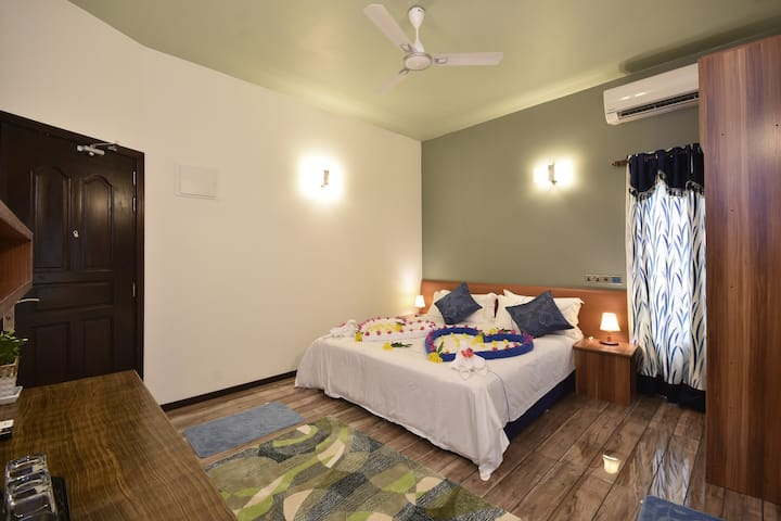 Deluxe King Double/Triple Room @ Ukulhas Maldives
