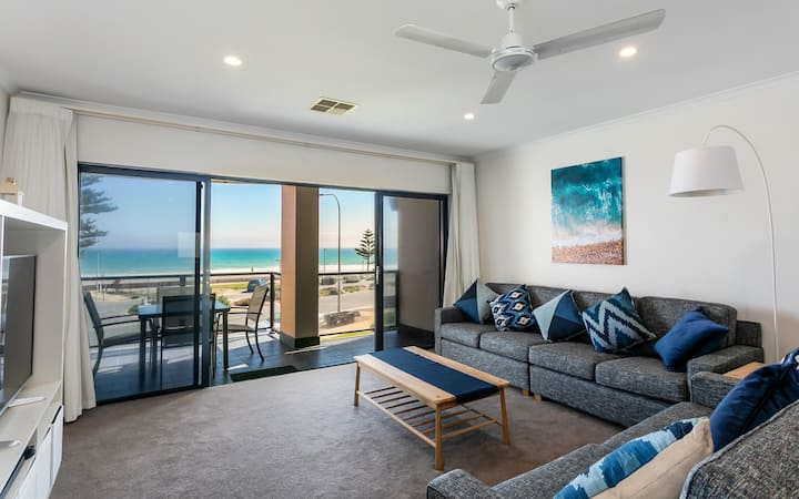 Moana Beachfront Apartment