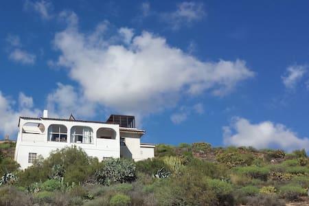 Casa Esmeralda Tenerife - San Isidro - Huvila